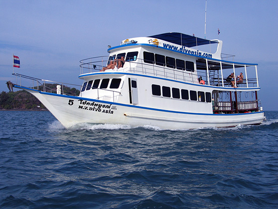 MV Dive Asia 2 Phuket scuba diving day trip thailand diving vacation Similan tour Phi Phi Island