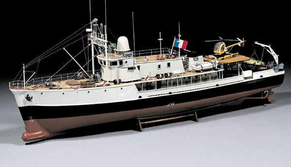 Cousteau_Ship